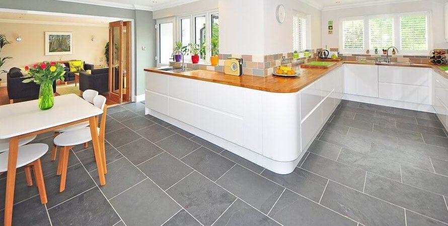 Jak wybrać płytki podłogowe do kuchni?