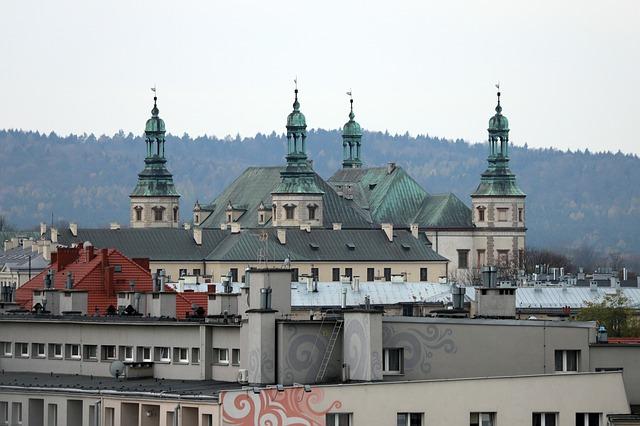 Apartamentowiec z widokiem na Kielce powstaje przy Kadzielni