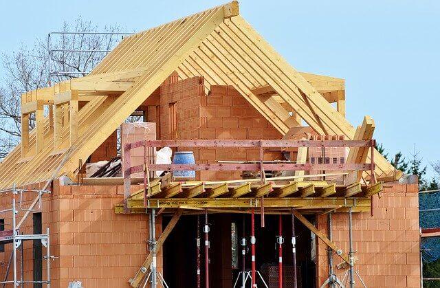 Sprzedaż domu w trakcie budowy