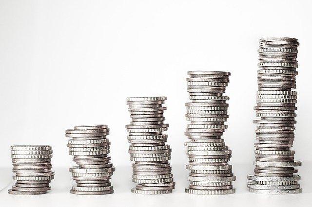 Obniżki stóp procentowych a inwestycja w nieruchomość